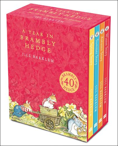 A Year in Brambly Hedge (Hardback)
