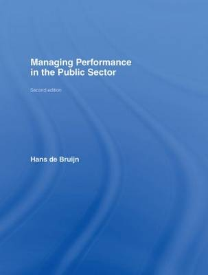 Managing Performance in the Public Sector (Hardback)