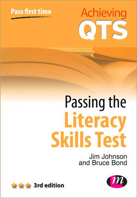 Passing the Literacy Skills Test - Achieving QTS Series (Paperback)