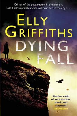 Dying Fall: The Dr Ruth Galloway Mysteries 5 (Paperback)