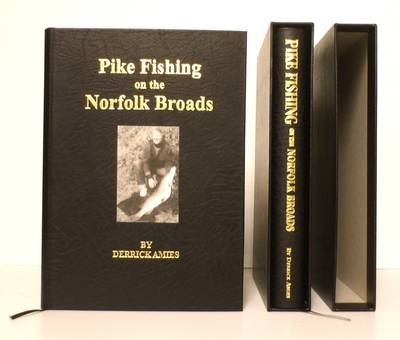 Pike Fishing on the Norfolk Broads (Hardback)