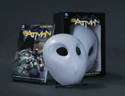 Batman: The Court of Owls Mask and Book Set (Paperback)