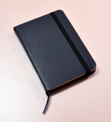 Monsieur Notebook Leather Journal - Navy Ruled Small A6 (Leather / fine binding)